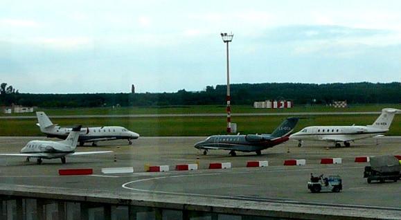 companii aeriene si aeroporturi