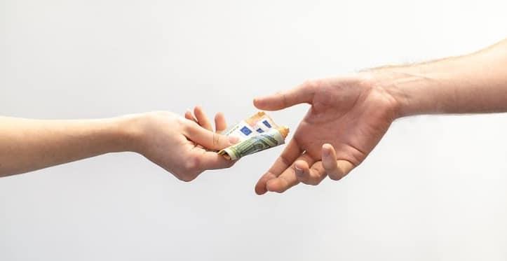 premii în bani